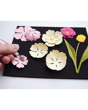 LR0020 – Flower Shaping Set